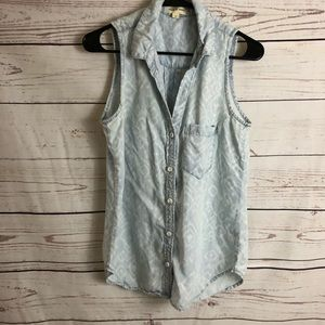 Cloth & Stone Chambray Sleeveless Top